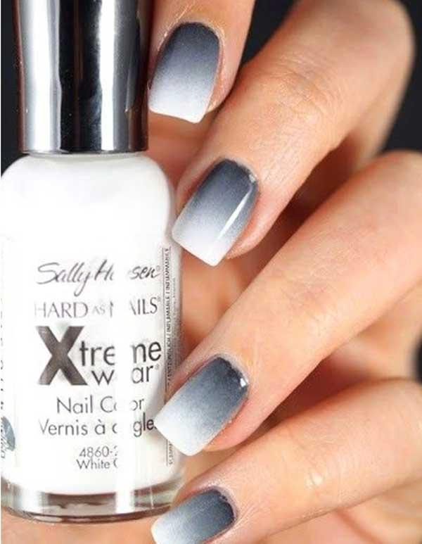 Manicure Ombre en gris oscuro